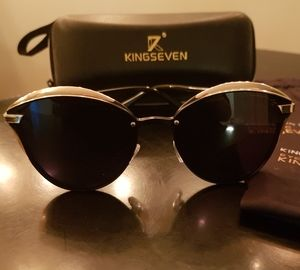 Kingseven Sunglasses with case